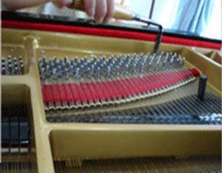 tuning_piano