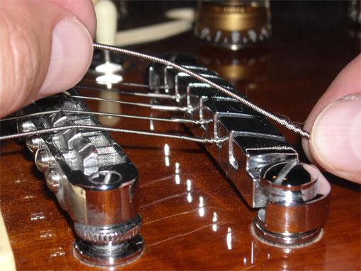 senar gitar listrik