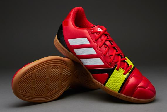 Daftar dan Harga Sepatu Futsal Murah 2021